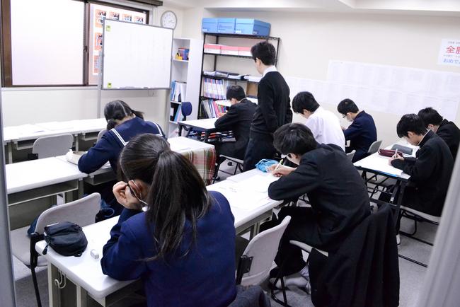 合格率87.5%の実践型「都立高校推薦入試」対策講座を開催します。
